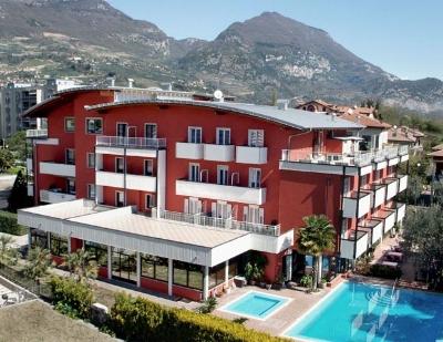 Riva del garda hotel lake garda - Hotel giardino riva del garda ...